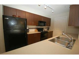 "Photo 2: 118 12248 224 Street in Maple Ridge: East Central Condo for sale in ""URBANO"" : MLS®# R2085589"