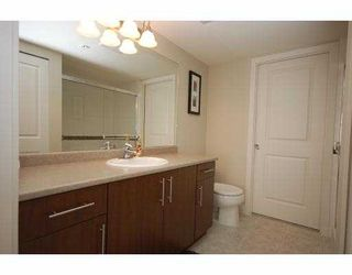 "Photo 4: 118 12248 224 Street in Maple Ridge: East Central Condo for sale in ""URBANO"" : MLS®# R2085589"