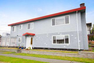 """Photo 1: 756 GILMORE Avenue in Burnaby: Willingdon Heights House for sale in """"Willingdon Heights"""" (Burnaby North)  : MLS®# R2087596"""