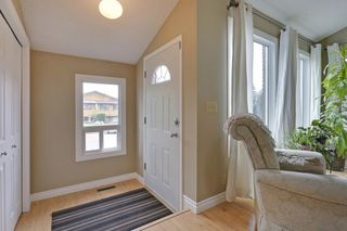 Photo 2: 4022 46 Street SW in Calgary: House for sale : MLS®# C4014489