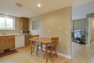 Photo 11: 4022 46 Street SW in Calgary: House for sale : MLS®# C4014489