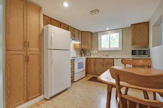 Photo 7: 4022 46 Street SW in Calgary: House for sale : MLS®# C4014489