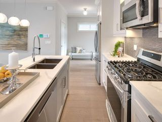 Photo 9: 1522 E PENDER Street in Vancouver: Hastings House 1/2 Duplex for sale (Vancouver East)  : MLS®# R2122104