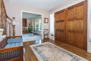 Photo 2: 3058 SPENCER Drive in West Vancouver: Altamont House for sale : MLS®# R2123954