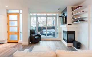"Photo 3: 491 BROUGHTON Street in Vancouver: Coal Harbour Townhouse for sale in ""THE DENIA"" (Vancouver West)  : MLS®# R2133430"