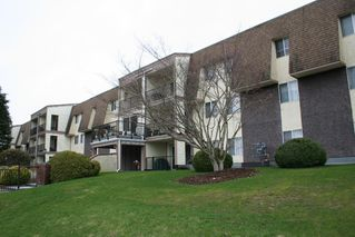 "Photo 1: 102 2821 TIMS Street in Abbotsford: Abbotsford West Condo for sale in ""Parkview Place"" : MLS®# R2147601"