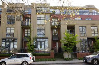"Photo 13: 2780 VINE Street in Vancouver: Kitsilano Townhouse for sale in ""MOZAIEK"" (Vancouver West)  : MLS®# R2160680"