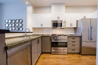 "Photo 7: 2780 VINE Street in Vancouver: Kitsilano Townhouse for sale in ""MOZAIEK"" (Vancouver West)  : MLS®# R2160680"