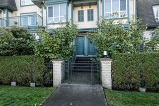 Photo 14: 24 288 ST. DAVIDS Avenue in North Vancouver: Lower Lonsdale Townhouse for sale : MLS®# R2163127