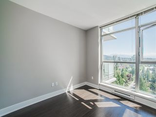 Photo 10: 2305 3008 GLEN Drive in Coquitlam: North Coquitlam Condo for sale : MLS®# R2169107