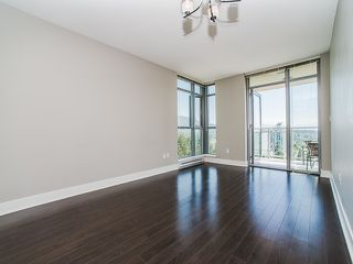 Photo 4: 2305 3008 GLEN Drive in Coquitlam: North Coquitlam Condo for sale : MLS®# R2169107