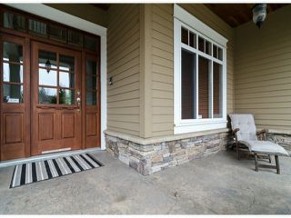 Photo 2: 3888 154TH Street in South Surrey White Rock: Home for sale : MLS®# F1430364