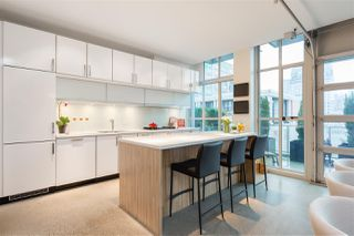 """Photo 6: 701 546 BEATTY Street in Vancouver: Downtown VW Condo for sale in """"The Crane"""" (Vancouver West)  : MLS®# R2216394"""
