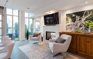 """Photo 4: 701 546 BEATTY Street in Vancouver: Downtown VW Condo for sale in """"The Crane"""" (Vancouver West)  : MLS®# R2216394"""