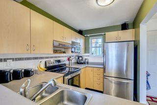 "Photo 3: 10 123 SEVENTH Street in New Westminster: Uptown NW Townhouse for sale in ""ROYAL CITY TERRACE"" : MLS®# R2223388"
