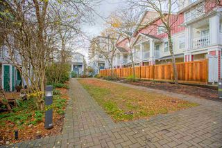 "Photo 19: 10 123 SEVENTH Street in New Westminster: Uptown NW Townhouse for sale in ""ROYAL CITY TERRACE"" : MLS®# R2223388"