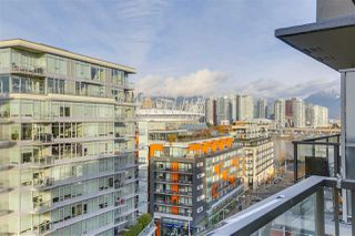"Photo 15: 1404 89 W 2ND Avenue in Vancouver: False Creek Condo for sale in ""Pinnacle Living False Creek"" (Vancouver West)  : MLS®# R2224818"