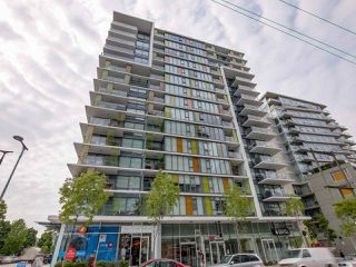 "Photo 2: 315 1783 MANITOBA Street in Vancouver: False Creek Condo for sale in ""RESIDENCES AT WEST"" (Vancouver West)  : MLS®# R2226250"