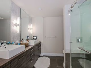 "Photo 12: 315 1783 MANITOBA Street in Vancouver: False Creek Condo for sale in ""RESIDENCES AT WEST"" (Vancouver West)  : MLS®# R2226250"