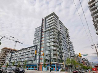 "Photo 1: 315 1783 MANITOBA Street in Vancouver: False Creek Condo for sale in ""RESIDENCES AT WEST"" (Vancouver West)  : MLS®# R2226250"