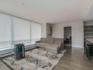 "Photo 3: 315 1783 MANITOBA Street in Vancouver: False Creek Condo for sale in ""RESIDENCES AT WEST"" (Vancouver West)  : MLS®# R2226250"