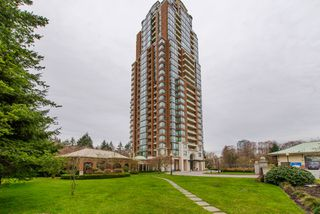 "Photo 2: 801 6837 STATION HILL Drive in Burnaby: South Slope Condo for sale in ""Claridges"" (Burnaby South)  : MLS®# R2239068"
