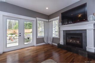 Photo 5: 630 Granrose Terrace in VICTORIA: Co Latoria Single Family Detached for sale (Colwood)  : MLS®# 390013