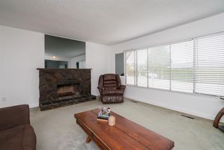 Photo 3: 26448 29 Avenue in Langley: Aldergrove Langley House for sale : MLS®# R2263674