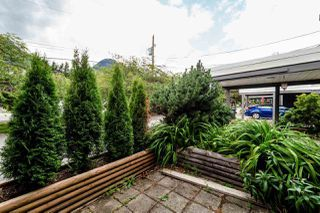 """Photo 17: 39806 NO NAME Road in Squamish: Northyards Townhouse for sale in """"MAMQUAM MEWS"""" : MLS®# R2277636"""
