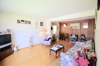 Photo 3: 4564 PENDER Street in Burnaby: Capitol Hill BN House for sale (Burnaby North)  : MLS®# R2283264
