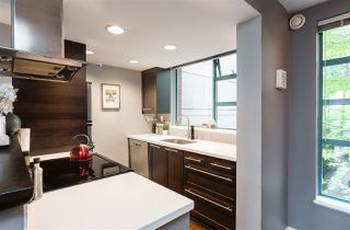 "Photo 10: 401 939 HOMER Street in Vancouver: Yaletown Condo for sale in ""PINNACLE"" (Vancouver West)  : MLS®# R2300609"