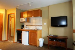 """Photo 3: 227 4315 NORTHLANDS Boulevard in Whistler: Whistler Village Condo for sale in """"CASCADE LODGE"""" : MLS®# R2303926"""