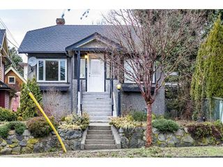 Main Photo: 1109 SEVENTH Avenue in New Westminster: Moody Park House for sale : MLS®# R2328354