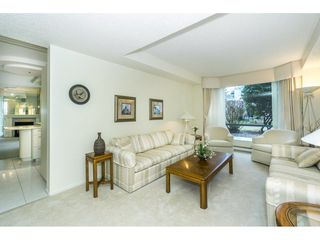 """Photo 8: 107 1725 MARTIN Drive in Surrey: Sunnyside Park Surrey Condo for sale in """"Southwynd"""" (South Surrey White Rock)  : MLS®# R2339886"""