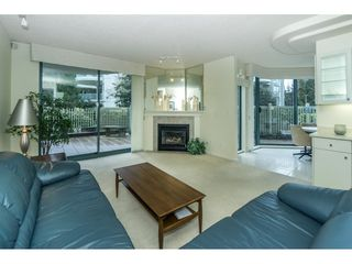 """Photo 5: 107 1725 MARTIN Drive in Surrey: Sunnyside Park Surrey Condo for sale in """"Southwynd"""" (South Surrey White Rock)  : MLS®# R2339886"""