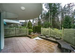 """Photo 16: 107 1725 MARTIN Drive in Surrey: Sunnyside Park Surrey Condo for sale in """"Southwynd"""" (South Surrey White Rock)  : MLS®# R2339886"""