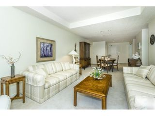 """Photo 11: 107 1725 MARTIN Drive in Surrey: Sunnyside Park Surrey Condo for sale in """"Southwynd"""" (South Surrey White Rock)  : MLS®# R2339886"""