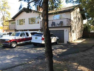 """Photo 6: 5876 - 5878 172 Street in Surrey: Cloverdale BC House Duplex for sale in """"Cloverdale"""" (Cloverdale)  : MLS®# R2343112"""