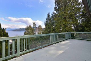 Photo 3: 775 MARINE Drive in Gibsons: Gibsons & Area House for sale (Sunshine Coast)  : MLS®# R2349624