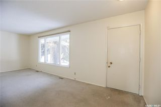 Photo 3: 320 East Place in Saskatoon: Eastview SA Residential for sale : MLS®# SK767069