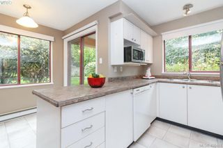 Photo 8: 117 545 Manchester Road in VICTORIA: Vi Burnside Condo Apartment for sale (Victoria)  : MLS®# 408493