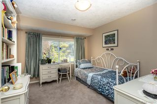 Photo 21: 822 Maltwood Terrace in VICTORIA: SE Broadmead Single Family Detached for sale (Saanich East)  : MLS®# 409021