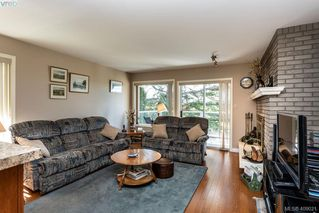 Photo 12: 822 Maltwood Terrace in VICTORIA: SE Broadmead Single Family Detached for sale (Saanich East)  : MLS®# 409021