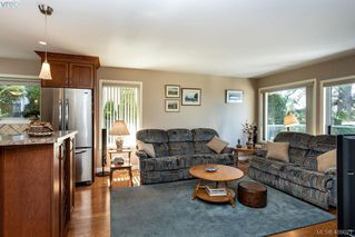 Photo 11: 822 Maltwood Terrace in VICTORIA: SE Broadmead Single Family Detached for sale (Saanich East)  : MLS®# 409021
