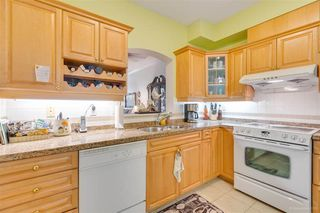"""Photo 9: 328 3098 GUILDFORD Way in Coquitlam: North Coquitlam Condo for sale in """"Marlborough House"""" : MLS®# R2367049"""