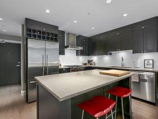 Photo 1: 110 15155 36 Avenue in Surrey: Morgan Creek Condo for sale (South Surrey White Rock)  : MLS®# R2371354