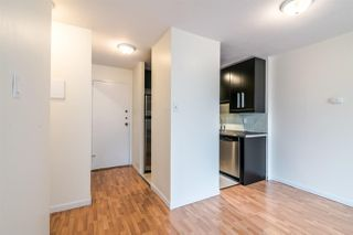 """Photo 3: 1204 1146 HARWOOD Street in Vancouver: West End VW Condo for sale in """"THE LAMPLIGHTER"""" (Vancouver West)  : MLS®# R2374402"""