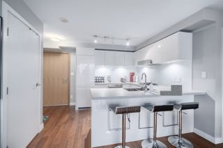 Photo 9: 1002 188 KEEFER Street in Vancouver: Downtown VE Condo for sale (Vancouver East)  : MLS®# R2427148