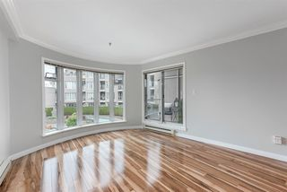 "Photo 13: 215 1236 W 8TH Avenue in Vancouver: Fairview VW Condo for sale in ""Galleria II"" (Vancouver West)  : MLS®# R2435128"