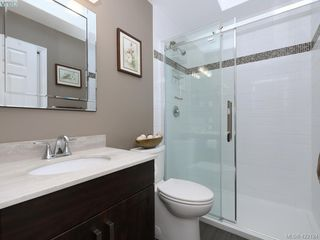 Photo 16: 1 901 Kentwood Lane in VICTORIA: SE Broadmead Row/Townhouse for sale (Saanich East)  : MLS®# 422124